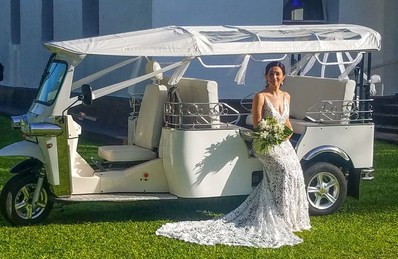 An e-limo for your wedding day
